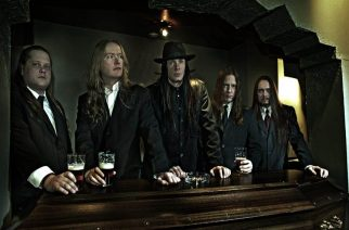 Sentenced huu(h)telee haudan takaa: yhtyeen nimikko-olut kauppoihin marraskuussa