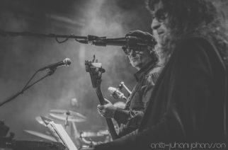 Kaaoszinen livekuvat Wigwam Revisitedin keikalta Korjaamolta