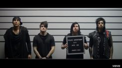 """Escape The Fatelta uusi musiikkivideo """"Remember Every Scar"""" -kappaleesta"""