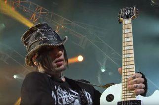 """Guns N' Rosesin ex-kitaristi aggressiivisista faneista: """"Joskus tuntui, että tahdon hirttäytyä hotellihuoneessani"""""""