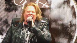 Guns N' Roses pidätettiin Kanadassa aseen hallussapidon vuoksi: katso Axl Rosen hupaisa kertomus tapahtumasta