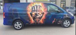 Saammeko esitellä Toni Tallbergin auton, joka on koristeltu Iron Maidenin Eddie -maskoteilla