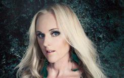 Leaves Eyesin vokalisti Liv Kristine erotettiin yhtyeestä?