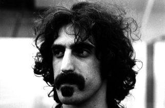Nyt myös edesmennyt Frank Zappa tekee paluun lavoille: hologrammikiertue ensi vuonna