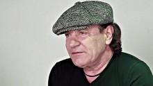 """AC/DC:n Brian Johnson tapaamisestaan korvamonitoreihin erikoistuneen Stephen Ambrosen kanssa: """"Se todellakin toimii!"""""""