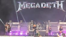 Nikki Sixx esiintyi Megadethin kanssa Download-festivaaleilla: katso fanin kuvaama video