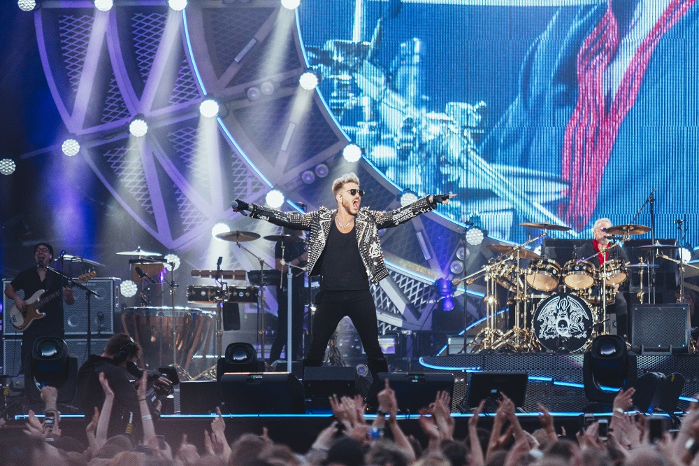 Queen + Adam Lambert Helsingin Kaisaniemessä – yhä kaikkien ylisanojen arvoinen