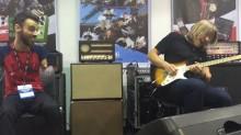 Katso inspiroiva video Andy Timmonsin ja kädettömän kitaristin jammailusessiosta