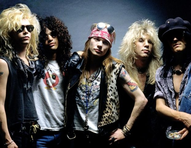 "Guns N' Roses -klassikko ""Sweet Child O' Mine"" saavutti miljardin Spotify-streamin rajapyykin"
