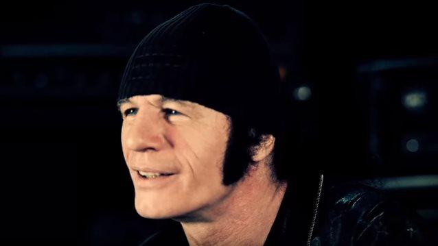 """Acceptin entinen kitaristi Herman Frank julkaisi musiikkivideon kappaleeseen """"Fear"""""""