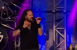 """Kornin laulaja Jonathan Davis lämpenee Babymetalille – """"helvetin viihdyttävää"""""""
