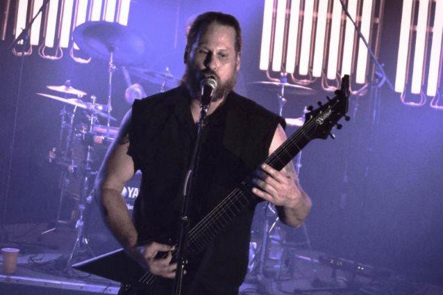 """Morbid Angelin laulaja Steve Tucker kritisoi sensaatiouutisointia metallimusiikin parissa: """"Olemme metallipäitä. Luulin, että olemme tätä parempia"""""""
