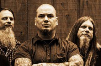 Stoner rock -legenda DOWN lavalla entisen White Zombien basistin kanssa: katso video keikalta