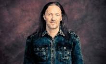 Nightwishista sekä Wintersunista tuttu rumpali Kai Hahto järjestää rumpuklinikan Vaasan Taiteiden Yön yhteydessä