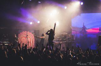 Loppukesän juhla Helsingissä – Amorphis ystävineen Huvila-teltassa