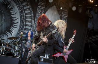 """Arch Enemyn Michael Amott: """"Emme halua hämmentää fanejamme laittamalla Alissaa ja Angelaa lavalla yhtä aikaa"""""""