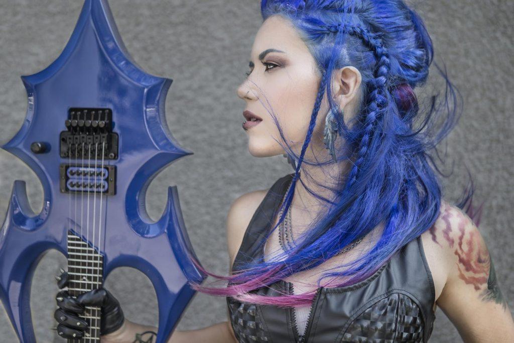 The Agonistin kitaristi Danny Marino vastaa yhtyeen entisen laulaja Alissa White-Gluzin syytöksiin saamistaan potkuista