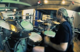 Meshuggahin Tomas Haake ja Orange Is The New Black -sarjasta parhaiten tuttu näyttelijäpuoliso Jessica Pimentel yhteisen musiikkiprojektin parissa