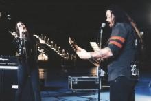 """Evergreyn uudella """"In Orbit"""" -musiikkivideolla mukana Nightwishin Floor Jansen"""