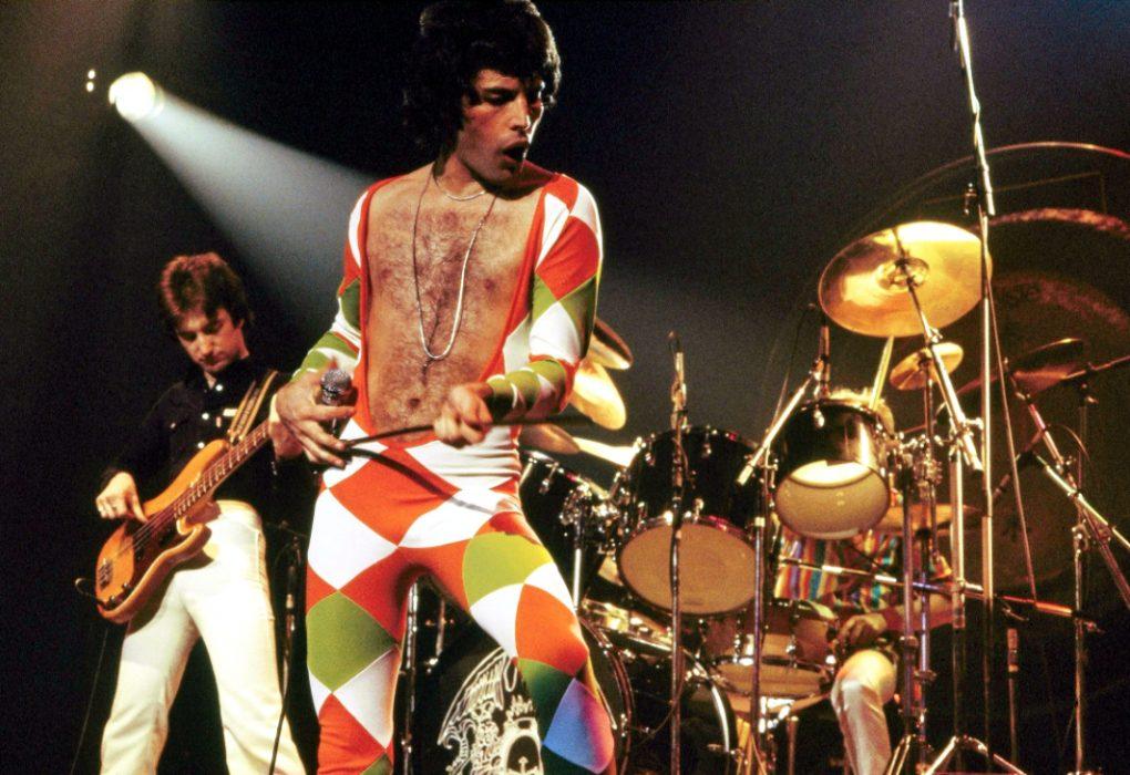 Queenin Greatest Hits -albumi nousi Billboardin Top 10:een oltuaan 412 viikkoa listalla