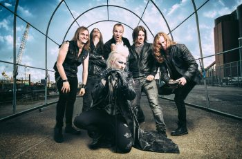 """Let's roar!"" – Haastattelussa Battle Beastin Noora Louhimo ja Janne Björkroth"