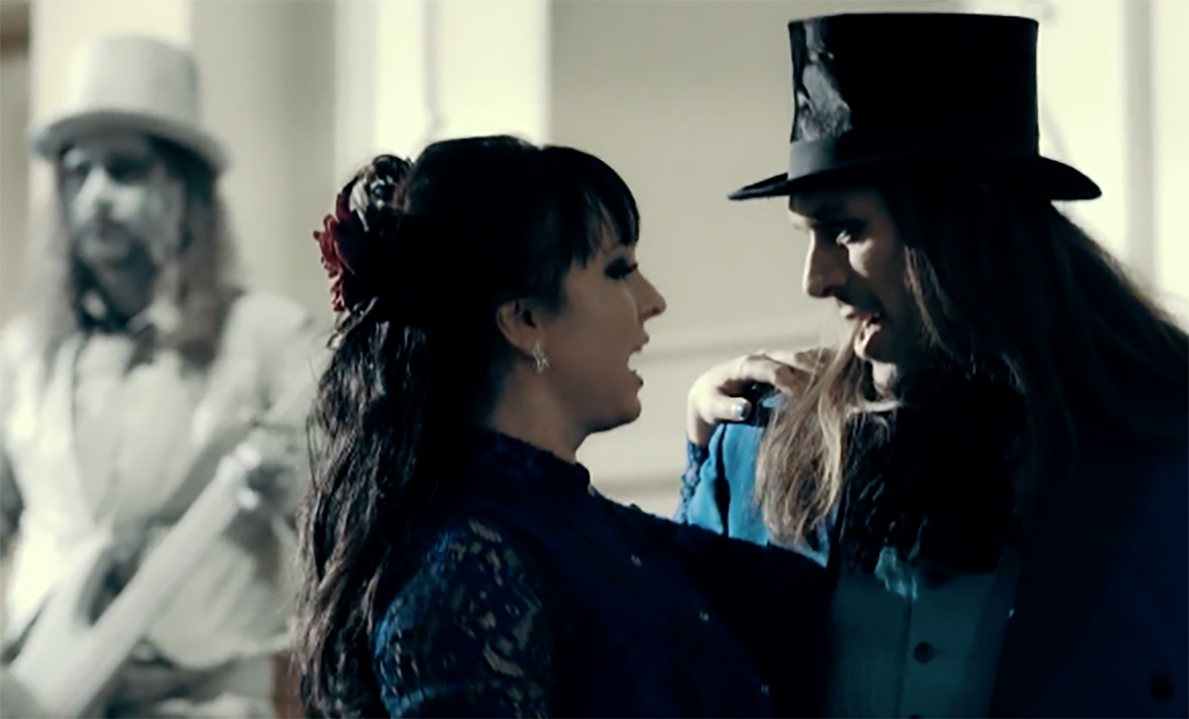 "Dark Sarah JP Leppäluoto ""Dancey With the Dragon"" -video"