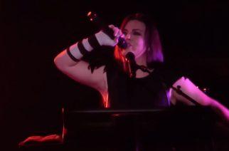 "Evanescence coveroi Michael Jacksonin ""Dirty Diana"" -kappaletta – katso fanien kuvaamia videoita"
