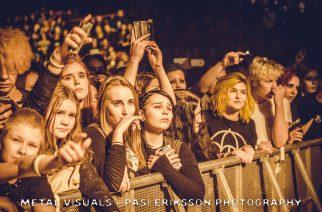 Bring Me The Horizonin upea valoshow lumosi fanit Helsingin Jäähallissa