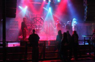 Gong peruu Turku Saatanalle V esiintyjien esiintymisiä