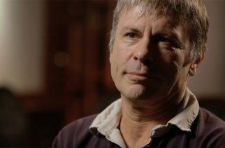 """Bruce Dickinsonin keikkaa Sarajevon piirityksessä muistellaan  """"Scream For Me Sarajevo"""" -dokumentissa – katso traileri"""