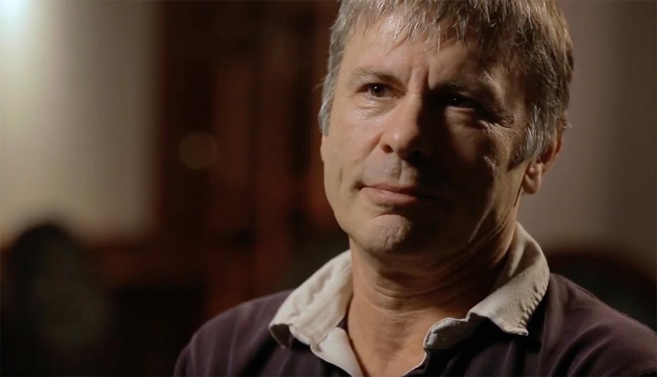 """Iron Maidenin Bruce Dicksinson: """"Fanit tulevat todella yllättymään 'Legacy Of The Beast' -kiertueen settilistasta"""""""