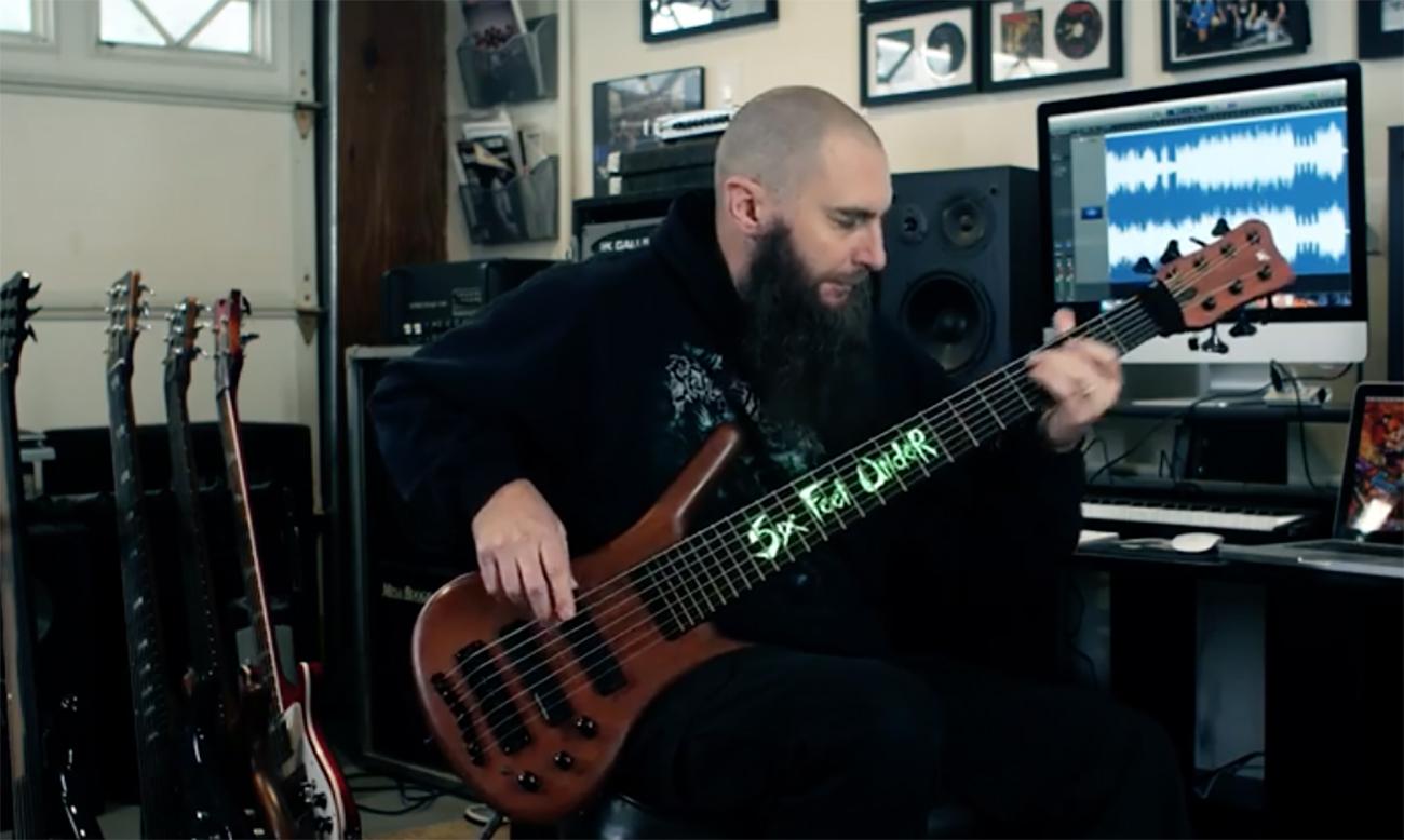 Six Feet Underin uusi kappale kuunneltavissa läpisoittovideolla – Jeff Hughell soittaa basso- ja kitaraosuudet