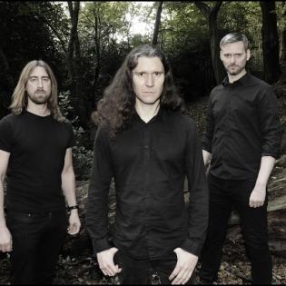 Tunnelmallista black metallia Englannista: Fen julkaisi uuden musiikkivideon