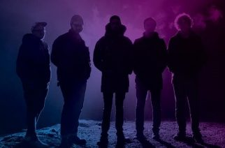 Funeral For A Friendin laulaja-kitaristi Gavin Burroughilta uusi yhtye Shadows Into Light