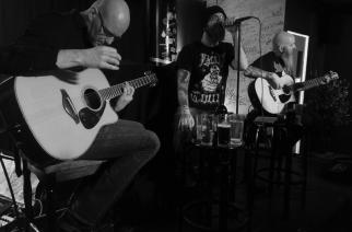 Akustisesta tunnelmoinnista raskaampiin säveliin – Swallow the Sun acoustic trio ja Saattue La Barressa