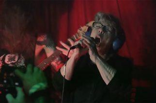 68-vuotiaan The Grindmotherin New Yorkin keikka on katsottavisa fanin kuvaamalla videolla