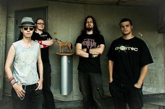 Vanhan koulukunnan death thrashia asenteella: Caught In The Betweenin uusi albumi Kaaoszinen ensisoitossa