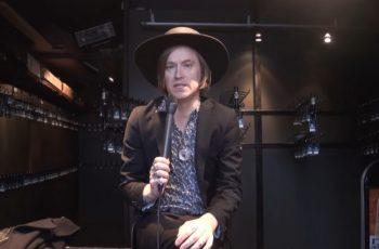 """INVSN / Refused -nokkamies Dennis Lyxzén: """"Tarvitsen eri bändejä ollakseni tyytyväinen muusikkona"""""""