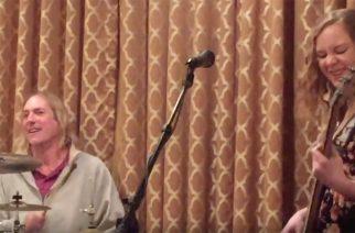 Toolin rumpali Danny Carey -youtube