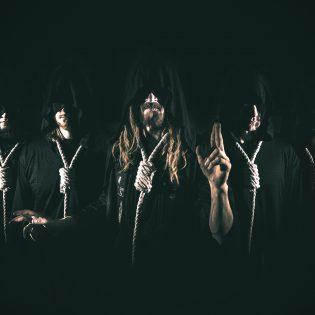 Orgaanista metalia verenmaku suussa: Torchian uusi albumi Kaaoszinen ensisoitossa