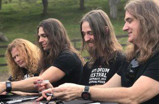 Megadethin faneille järjestämästä Boot Campista nähtävillä valokuvia ja videoklippejä