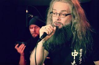 """Mokomalta livevideo """"Hei hei heinäkuu"""" -kappaleen akustisesta versiosta"""