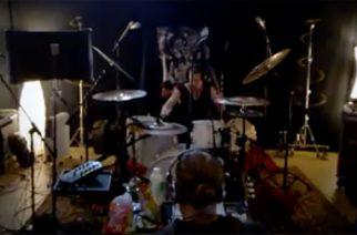 Ajattaran rumpali Rainer Tuomikanto -rumpuvideo