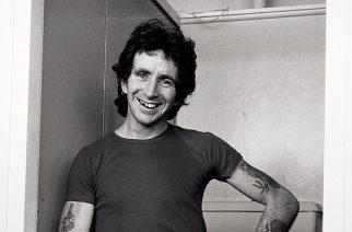 AC/DC:n Bon Scottille pystytettiin veistos Australian Melbournessa