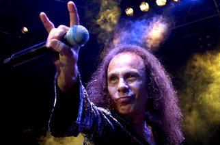 Ronnie James Dion hologrammi aloitti maailmankiertueensa Saksasta: livevideo keikalta katsottavissa