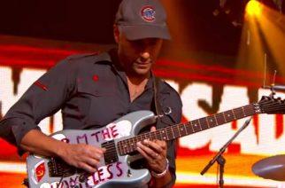 """Kitaristi Tom Morello teki uudelleenmiksauksen grandsonin """"Blood // Water""""-kappaleesta"""