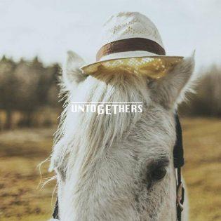 Untogethers – Kiva matka hevosfarmin kautta kesäisen vaihtoehtorockin ja perusasioiden äärelle