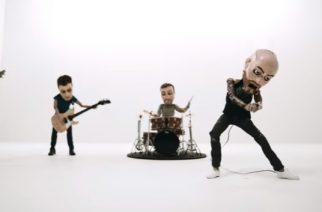"""August Burns Redilta animoitu musiikkivideo """"Invisible Enemy"""" -kappaleesta"""