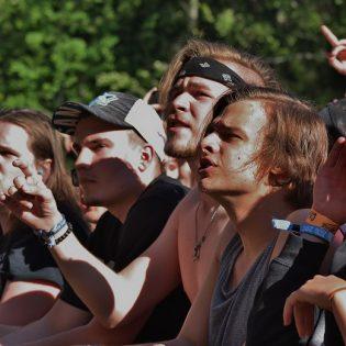 Tomin ja Villen aurinkoiset seikkailut Provinssissa, osa 1: Torstai