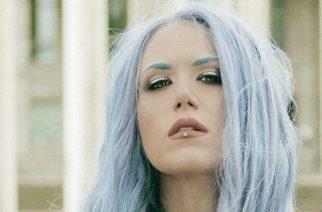 Arch Enemyn laulaja Alissa White-Gluz puhuu videohaastattelussa muun muassa vaikeuksistaan kirjoittaa iloisempia lyriikoita
